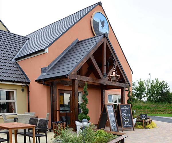 Ravenscraig Pub   The Raven's Cliff Pub and restaurant